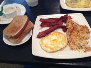 pancake cafe eggs:bacon
