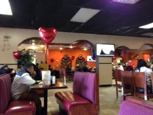 Los Gemelos dining room