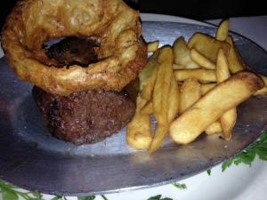 sirloin steak with steak fries