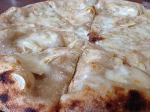 Hazelnut Cafe Bianca pizza